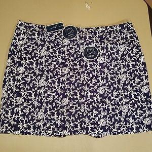 Dark Blue & White Floral/Vine Skort - Size 22